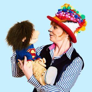 Pompom Kids entertainer for schools in Brighton